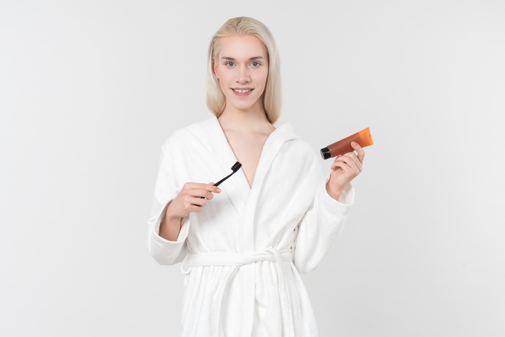 Tell me i am not the only one who likes to pretend they are in a toothpaste advertisement each time they need to brush their teeth