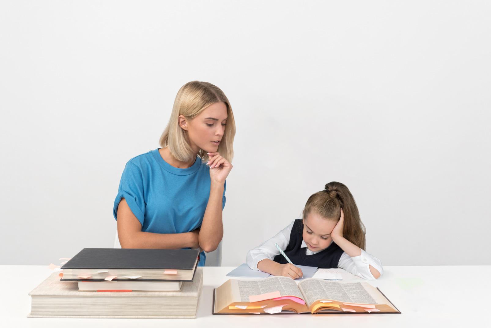 Behalten sie den überblick über das lernen mit der hilfe des lehrers